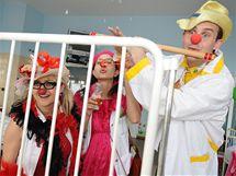 Dětští klauni vystoupili v brněnské Dětské nemocnici.