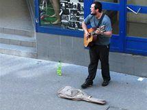 Pouliční muzikanti na České ulici v Brně (4. června 2010)