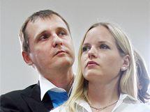 Nově zvolení poslanci Věcí veřejných Vít Bárta a Kateřina Klasnová.