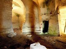 Vysoké stropy jsou pro jeskyni v Mateře typické