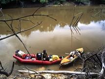 Na člunech v Amazonii