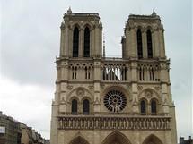 Na ostrově, kde stojí Notre-Dame, se našly první stopy po osídlení, pocházejí z roku 4 200 př. n .l.