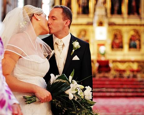 Poslankyně Jana Radová se vdala za MUDr. Jana Kasla v kostele sv. Bartoloměje v Plzni