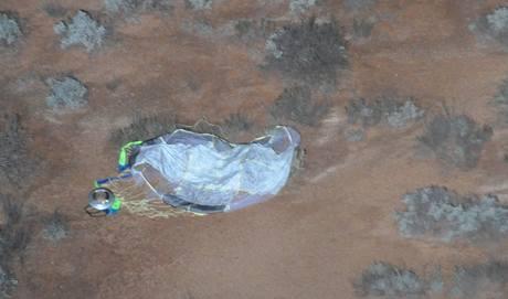 Návrat japonské sondy Hajabusa - letecký snímek po nálezu