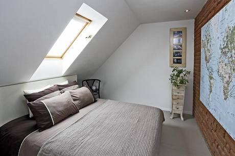 Modernizaci bytu přežila komoda, kterou si manželé koupili po narození Vojty, mají k proto osobní vztah