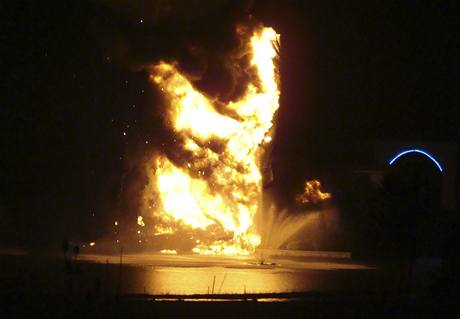 Požár osmnáctimetrového Ježíše v Ohiu (15. června 2010)