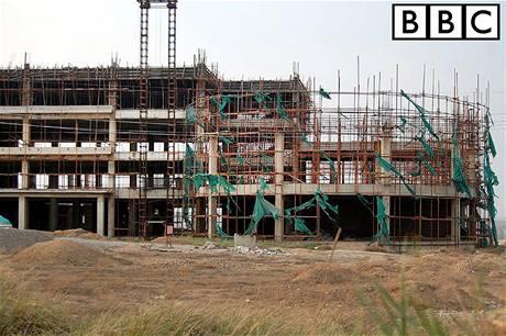 Hotel ve městě Čching-šuej-che první hosty už asi nikdy nepřivítá.