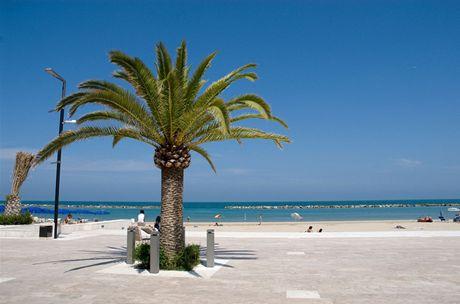 Itálie, Palmová riviéra, Grottammare