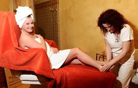 Iveta Bartošová na masáži