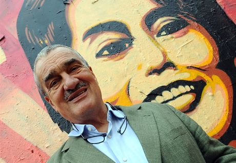 Svůj vzkaz na zeď připsal i někdejší ministr zahraničí Karel Schwarzenberg.