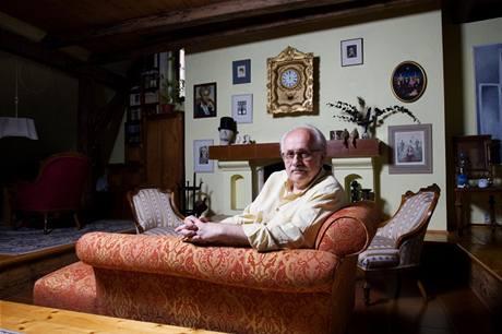Herec Václav Knop předělal zanedbanou půdu na útulný byt
