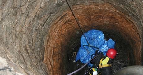 Tělo zavražděného leželo ve studni v Pacově od listopadu 2002