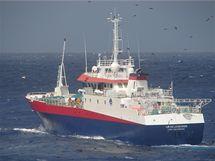 Jachtařku Abby Sunderlandovou zachránila loď Il De La Reunion