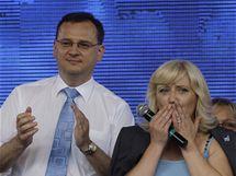 Předsedkyni SDKÚ-DS Ivetu Radičovou podpořil na poslední chvíli i Petr Nečas (11. června 2010)