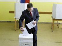 Robert Fico volí při parlamentních volbách na Slovensku (12. června 2010)