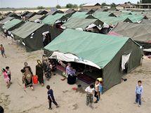 Uprchlický tábor v Uzbekistánu po nepokojích v Kyrgyzstánu (16. června 2010)