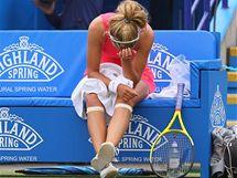SMUTEK. Běloruská tenistka Viktoria Azarenková právě prohrála turnajové finále s ruskou soupeřkou Makarovovou.