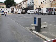 Parkoviště na brněnské Veselé ulici na den obsadili divadelníci (16.6.2010)