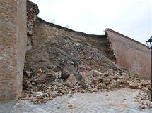 Sesunutá hradební zeď Špiberku (17.6.2010)