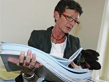 Náměstkyně hejtmana jižní Moravy Anna Procházková (ODS) si balila věci ve své kanceláři. Měla v ní téměř šest let na starost územní plánování
