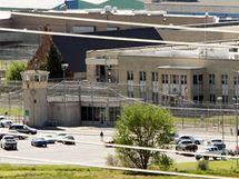 Vězení ve městě Draper v Utahu, kde byl popraven zastřelením dvojnásobný vrah Ronnie Lee Gardner. Ve dřevě jsou viditelné díry po kulkách 18. června 2010)