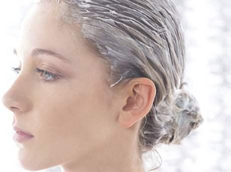 Vlasová vyživující maska - ilustrační foto