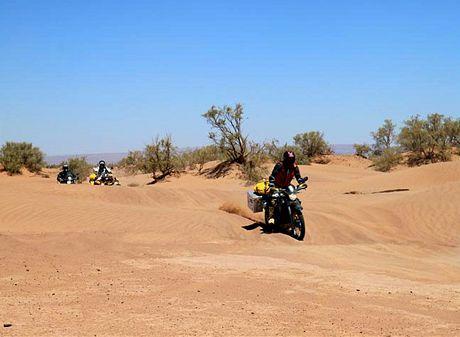 Středa 23.06. Průjezdy jemným pískem jsou adrenalinovou záležitostí