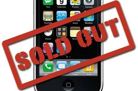 Apple iPhone 4 je téměř vyprodán. Další budou až 14. července. Ilustrační foto