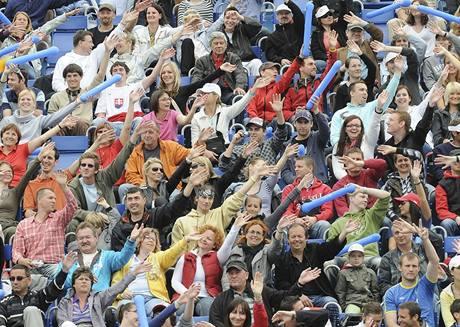 Pražští fanoušci během finále turnaje Světového okruhu plážových volejbalistů na Štvanici