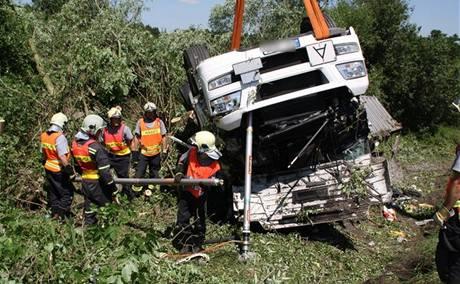 Nehoda kamionu mezi Blovicemi a Spáleným Poříčím na Plzeňsku (28.6. 2010)