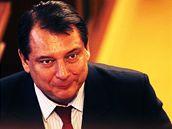 Odpočatý Paroubek se po týdnech ukázal mezi kolegy. Bavil se jen s hokejistou Šlégrem.