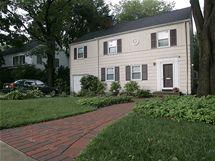 Dům v americkém státě New Jersey, kde byli zatčeni údajní ruští agenti Richard a Cynthia Murpyhovi (29. června 2010)