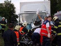 U brněnského automotodromu se srazil osobní vůz s nákladním, nehodu nepřežily dvě dívky