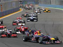 Sebastian Vettel vede v prvn�m kole startovn� pole jezdc� ve Velk� cen� Evropy