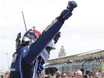 Sebastian Vettel se raduje ze sv�ho v�t�zstv� ve Velk� cen� Evropy