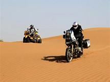 Úterý 22.6. Konečně poušť a lahůdka pro motorkáře-jízda v dunách