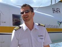 Malta - mezi ostrovy se létá hydroplánem. Ženskou posádku nadchl pilot
