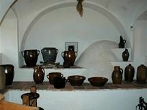 Vísecká rychta, vypalované nádobí vkuchyni