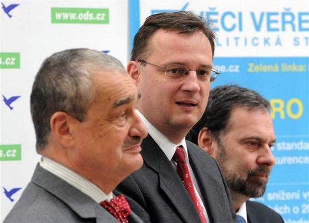 Líd�i stran po jednání skupiny K9 o vládní koalici. (15. �ervna 2010)