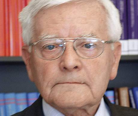 Prof. JUDr. Dušan Hendrych
