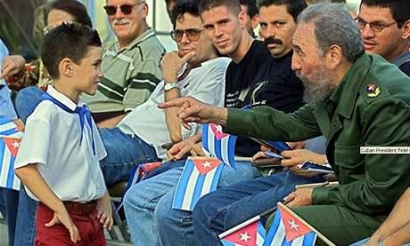 MalýElián Gonzáles s někdejším prezidentem Fidelem Castrem (2001)