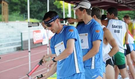 Moderní pětibojař Libor Capalini (vlevo) ve svém posledním závodu profesionální kariéry