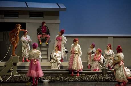 Nastudování Lišky Bystroušky v Opéra national de Paris