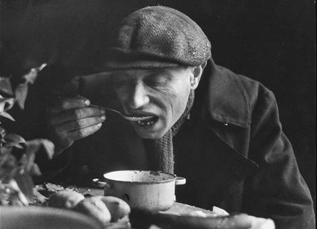 Ze souboru Abeceda duševního prázdna - denní příděl jídla z lágrové kuchyně