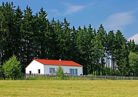 Domek splňuje veškerá nařízení venkovské obytné zóny