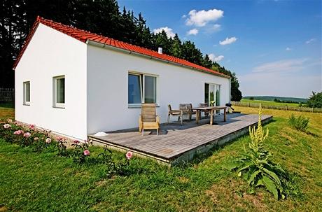 Jednoduchý přízemní domek má rozlohu 80 metrů čtverečních