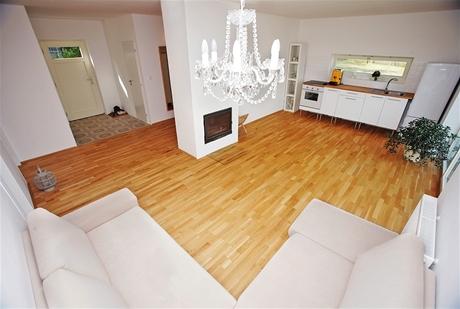 V domě jsou poze dvě ložnice a obývací kuchyně