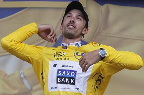 Fabian Cancellara se po prologu oblékl do žlutého trikotu