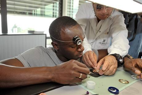 Usain Bolt p�i n�v�t�v� hodin��sk� manufaktury Hublot