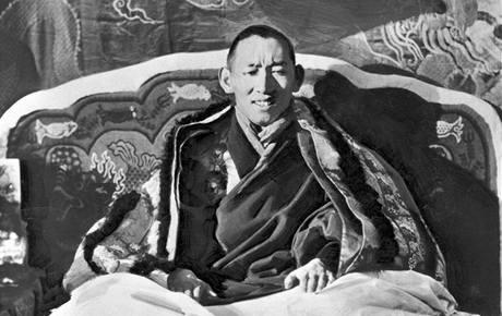 14. tibetský dalajláma Tändzin Gjamccho na fotografii ze 40. let minulého století.